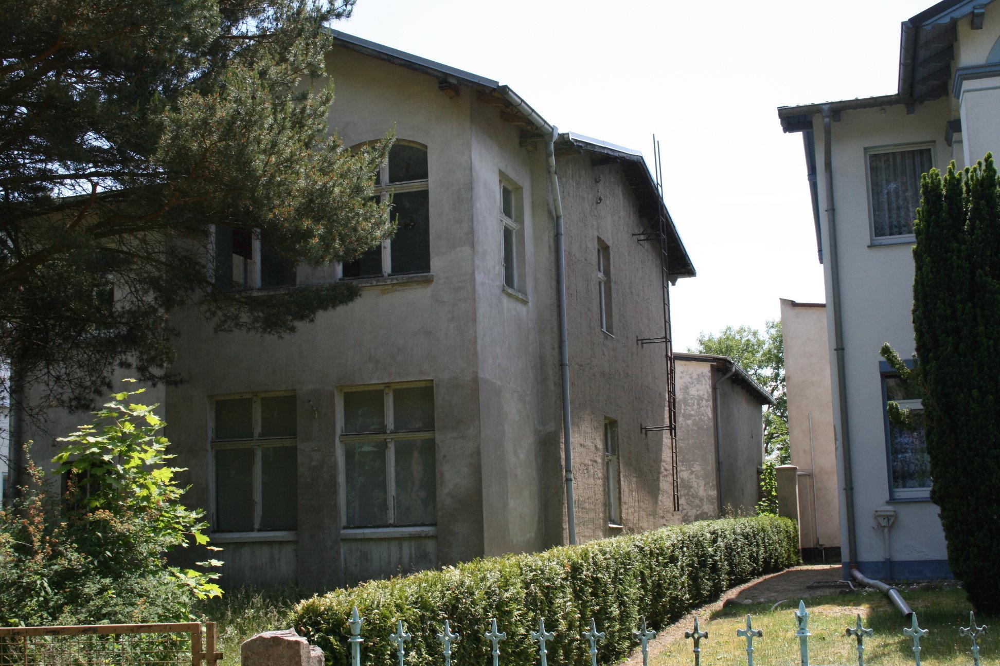 Teilansicht der Villa Waldblick im Sommer 2008