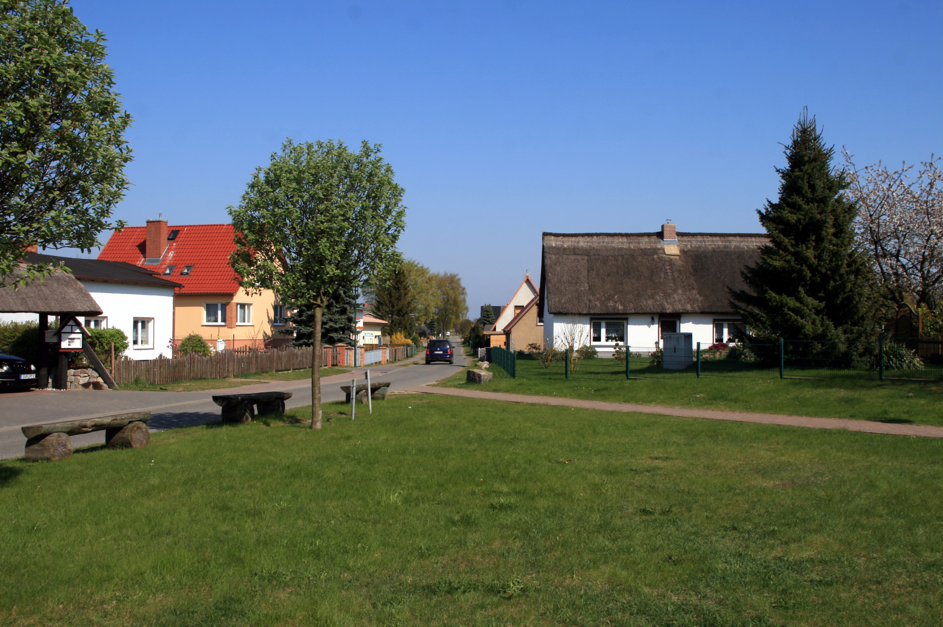 Zempin - Ortskern mit Fischerhaus