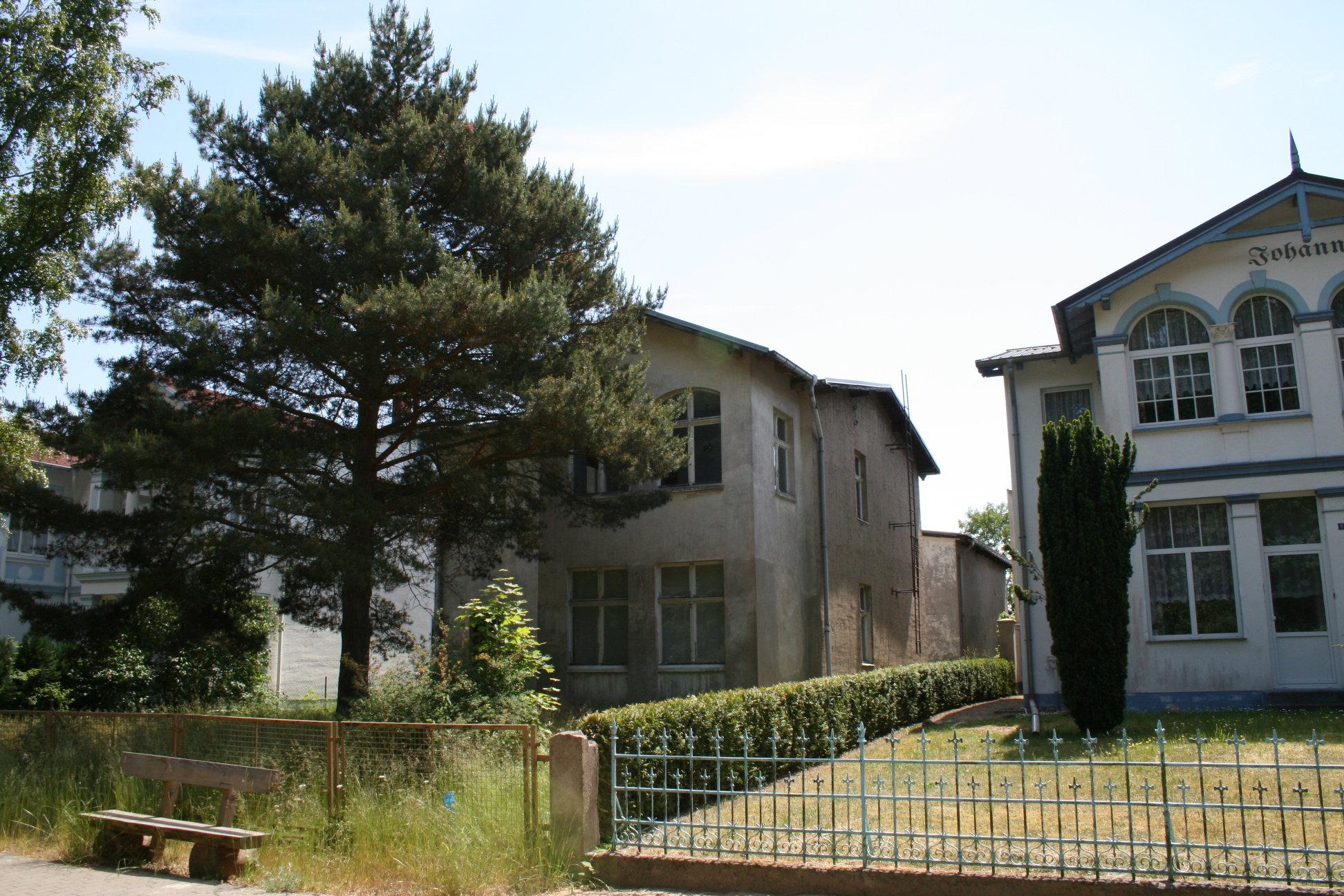 Die Villa Waldblick im Sommer 2008 - Ansicht aus der Waldstraße