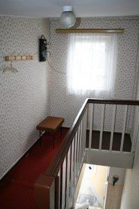 Flur im Obergschoss der Fewo II  - die Treppe wurde entfernt und die Decke verrschlossen