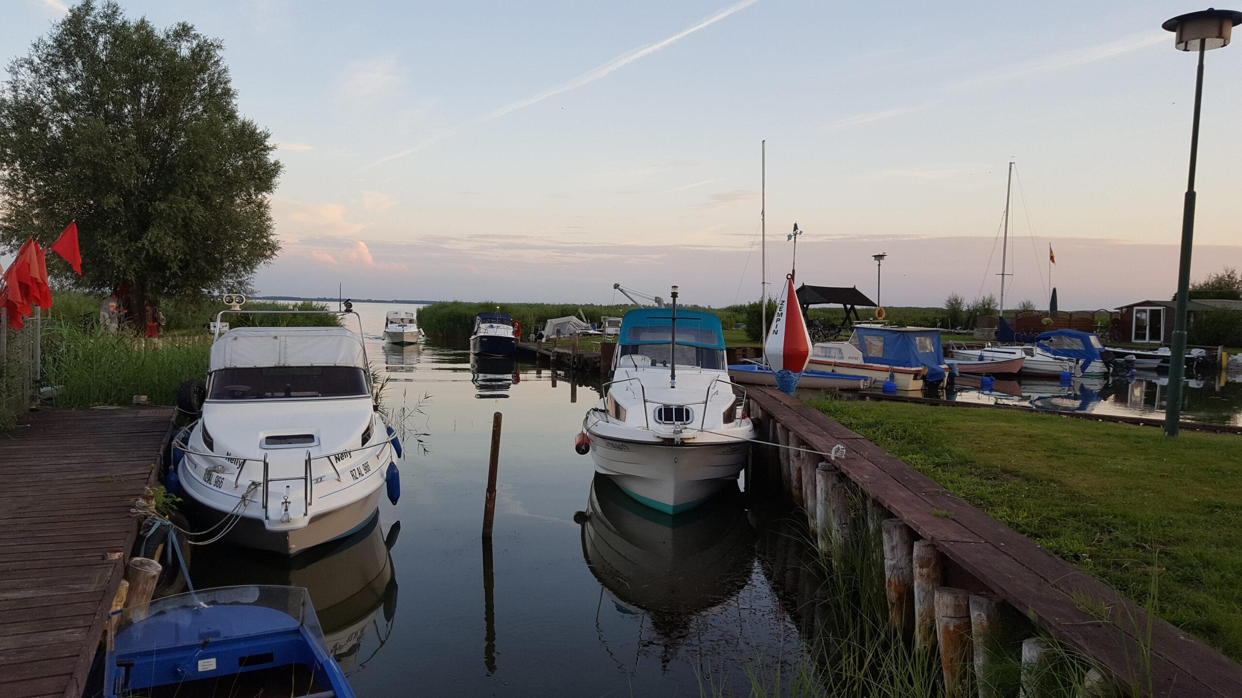Hafen am Achterwasser am Abend Zempin Insel Usedom Ausflugsziel Erholung Urlaub
